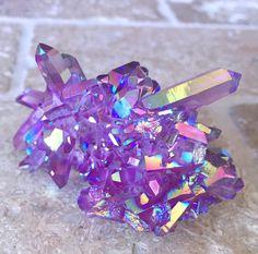 Iridescent purple quarts