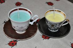 Soya wax candles in old coffee cups. Wax Candles, Coffee Cups, It Is Finished, Tableware, Projects, Diy, Log Projects, Coffee Mugs, Dinnerware