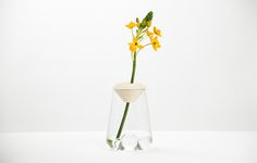 LYS is a minimal design created by Switzerland-based design firm Mizko Design GmbH. Swiss Design, Minimal Design, Design Firms, Glass Vase, Art Pieces, Beautiful, Bathroom, Home Decor, Accessories