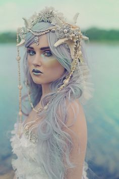 Buried Seashells II by girltripped - Karneval 2019 - Costume Mermaid Headpiece, Mermaid Crown, Mermaid Style, Mermaid Makeup, Mermaid Hair, Mermaid Bra, Halloween Costume Couple, Sea Witch Costume, Siren Costume