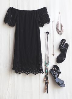 That dress!! #lace #black