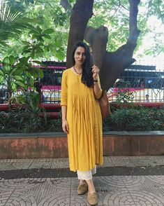 Best Trendy Outfits Part 1 Simple Kurti Designs, Kurta Designs Women, Blouse Designs, Salwar Designs, Dress Designs, Indian Attire, Indian Wear, Indian Dresses, Indian Outfits