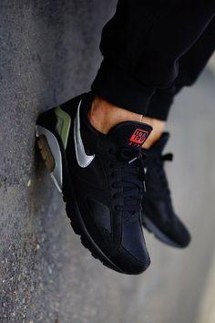 half off d1bb5 92155 Nike Air Max 180  Black Chaussures Homme, Chaussures Nike, Accessoires,  Idées De