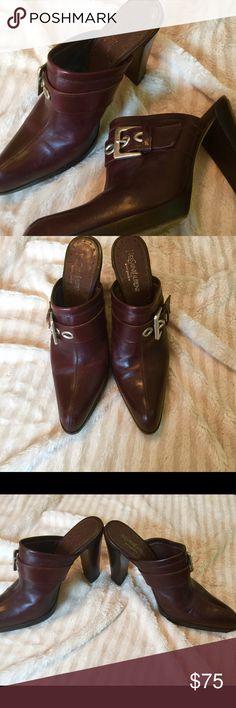 Yves Saint Laurent Clogs🌺🌹 Great condition beautiful rich brown color💖🌺 Yves Saint Laurent Shoes Mules & Clogs