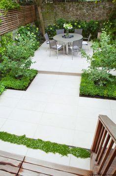 Small Backyard Gardens, Small Space Gardening, Back Gardens, Small Gardens, Garden Inspiration, Garden Ideas, Contemporary Gardens, Back Garden Design, Garden Floor