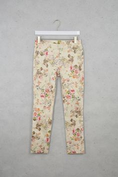 Frühlingshafte Jeans mit Blumenprint online kaufen - Grösse 38 - Marke Quinze heures trente   Vintage-Fashion Online Shop fürs Verkaufen und...