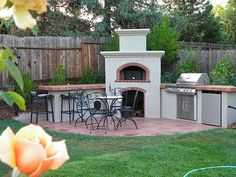 Backyard Kitchen with Pizza Oven