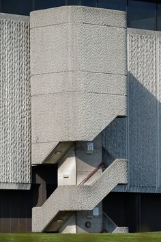 Scavengedluxury - Horizon Building. Nottingham, March 2014.