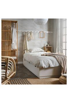 NORDLI Sengestel med opbevaring, hvid, 90x200 cm. NORDLI sengestel er ikke kun en komfortabel seng. Det er også en opbevaringsløsning med 3 rummelige skuffer. En praktisk løsning til tøj, ekstra dyner og søde drømme – på meget lidt plads. Bed Frame With Storage, Bed Storage, Storage Spaces, Cama Ikea, Nordli Ikea, Casa Milano, Bedroom Furniture, Bedroom Decor, Painted Beds