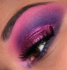 pretty pink eyeshadow!  very awesome