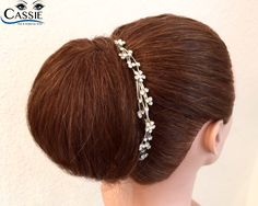 Chignon - a very classic Bridal Hairstyle Www.cassie-Makeupartist.de Www.cassie-ernst.de