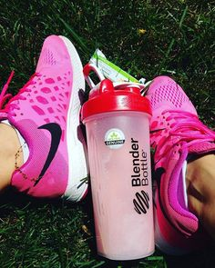 PINK EVERYTHING WILD BERRY SHAKE use coupon SUPERV25 for %25 discount for…
