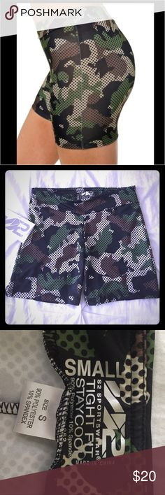 S2 Sportswear Woman's Hunter Camo Active Shorts S2 Sportswear woman's printed hunter camo athletic Shorts, tight fit/stay cool, 90% Polyester 10% Spandex // Brand New with Tags SMOKE FREE BUNDLE & SAVE S2 Sportswear Shorts