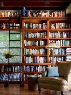 Cozy Home Library Interior Idea (70)