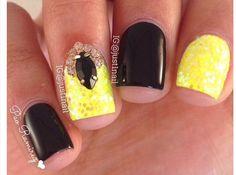 yellow gold black