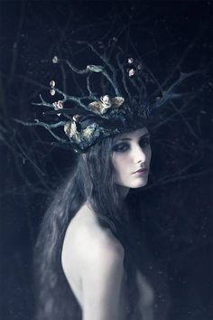 Photographer: Daria Endresen Headpiece: Candice Angélini Model: Lizzie Saint Septembre