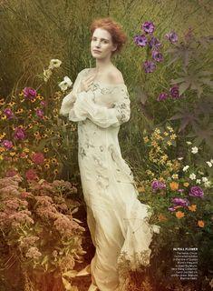 Annie-Leibovitz---Jessica-Chastain---Vogue_2013_12_05
