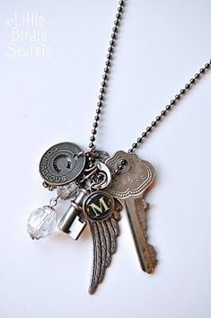 Someday I want to do some necklaces like this.  But I wonder how it would look on and not all nicely laid out.