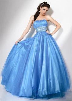 Image issue du site Web http://coolspotters.com/files/photos/709823/jovani-blue-prom-dress-profile.jpg