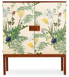 A Josef Frank mahogany cabinet, the doors and sides upholstered with floral chintz fabric, Svenskt Tenn Height 140 cm, width 121 cm, depth 40 cm もっと見る Funky Furniture, Upcycled Furniture, Luxury Furniture, Furniture Makeover, Vintage Furniture, Painted Furniture, Furniture Design, Painted Dressers, Plywood Furniture