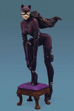 Catwoman Animated Series | Dark Knight Rises Latest: Catwoman costume details and Batman's new ...