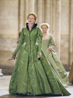 Elizabeth's Green Gown (Elizabeth The Golden Age, 2007)