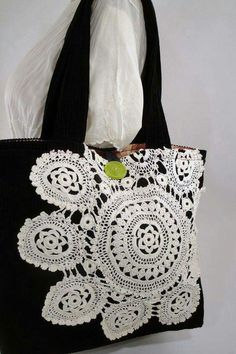 Doily Tote Bag by SnapCapStitchCraft Taschen Outlets Items similar to Lovely Doily Tote Bag on Etsy Diy Bags Purses, Diy Purse, Patchwork Bags, Linens And Lace, Denim Bag, Fabric Bags, Handmade Bags, Doilies, Bag Making