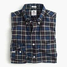 Shop J.Crew for the Slim Thomas Mason® for J.Crew flannel shirt in multicolor plaid for Men. Find the best selection of Men Shirts & Tops available in-stores and online. Stylish Shirts, Casual Shirts For Men, Flannels For Men, Buffalo Shirt, Mens Flannel, Flannel Shirts, Clothes 2018, Moda Casual, Shirt Jacket