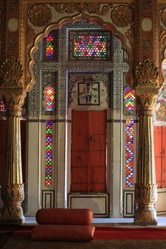 And this stained glass beauty from Jodhpur.   27 Doors In India You'd Definitely Want To Knock On