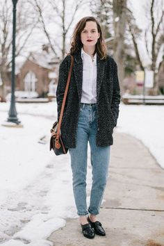 25 Outfits To Inspire Your Back To School Gate Style: Mum Jeans