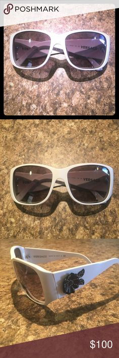Rare Authentic Versace White Mod Sunglasses Authentic. Rare style. Classics! Look dope on! In good condition. Have a few tiny HTS scratches on lens. Nothing that blocks vision. No missing stones on Flowers's. The only note is one arm is allot tighter then the other. ( can fix w screw driver ?) but easy to adjust once on. It's really hard to notice but wanted to disclose everything ! I want you happy! Ask question prior. Zoom & see pics. Smoke free. No case. Will wrap for protection. Versace…
