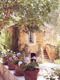 Ooooo.... Cottage under the tuscan sun