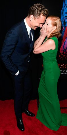 Jessica Chastain and Tom Hiddleston attend Crimson Peak New York Premiere at AMC Loews Lincoln Square on October 14, 2015 in New York City 14. Full size image: http://ww2.sinaimg.cn/large/6e14d388jw1ex1mqcgt8rj21jk2bchad.jpg Source: Torrilla, Weibo