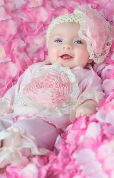 Haute Baby Fall 14 Pink Lullabye Baby Girl Outfit w/Headband Cute Baby Boy Images, Cute Kids Pics, Baby Girl Photos, Cute Baby Pictures, Newborn Pictures, Chubby Babies, Cute Babies, Adorable Petite Fille, Cute Baby Girl Wallpaper