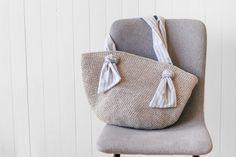 Ravelry: Spencer Market Bag pattern by Lakeside Loops Crochet Market Bag, Crochet Tote, Crochet Purses, Free Crochet, Crochet Stitches, Crochet Gloves, Crochet Slippers, Easy Crochet Socks, Crochet Bodies