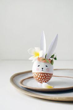 Vasos de coelhinho feitos com casca de ovos: https://www.casadevalentina.com.br/blog/VASOS%20DE%20COELHINHOS%20FEITOS%20COM%20CASCA%20DE%20OVOS ----------------------------------- Bunny vessels made with egg shell: https://www.casadevalentina.com.br/blog/VASOS%20DE%20COELHINHOS%20FEITOS%20COM%20CASCA%20DE%20OVOS