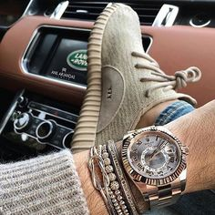 Rolex Sky-Dweller, Yeezy Boost 350 Oxford Tan and Land Rover Photo by Anil Arjandas - mens watches Cool Watches, Rolex Watches, Watches For Men, Prime Watches, Handy Wallpaper, Sky Dweller, Estilo Cool, Der Gentleman, Swiss Luxury Watches
