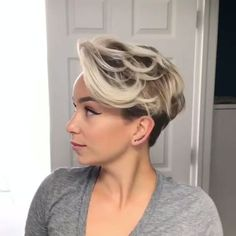 Latest Short Pixie Cuts for 2019 – Refresh Your Look Today! – – Make Up Ideas Latest Short Pixie Cuts for 2019 – Refresh Your Look Today! – Latest Short Pixie Cuts for 2019 – Refresh Your Look Today! Short Pixie Haircuts, Short Hairstyles For Women, Bob Hairstyles, Half Shaved Hairstyles, Short Highlighted Hairstyles, Blonde Pixie Hairstyles, Punk Pixie Haircut, Guy Haircuts, Pixie Haircut Styles