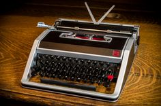 1969 Underwood Olivetti Lettera 33
