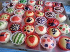 Veronica's Kitchen: Creative Steamed Cupcake - 彩绘可爱蒸蛋糕