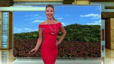 Ximena Cordoba dancing adorably before her weather forecast (x-post /r/NewsBabes)