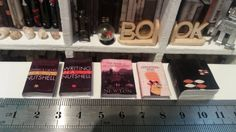 5 Miniature Books for dollhouses por TheDollHouseNym en Etsy