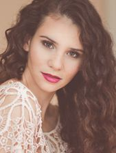Model: Betty Taube