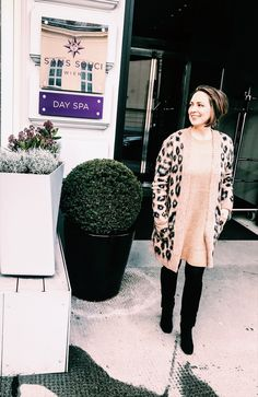 A luxury day in Sans Souci Hotel, Vienna - Urskastyle Vienna Hotel, Style Fashion, Fashion Outfits, Leopard Print Cardigan, Vienna Austria, Spa Day, Outfit Posts, Winter Hats
