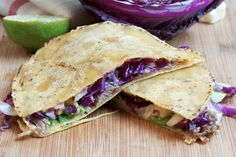 Pulled Pork Quesadillas with red cabbage Pulled Pork Quesadilla, Pulled Pork Enchiladas, Mexican Food Recipes, Dinner Recipes, Ethnic Recipes, Good Food, Yummy Food, Delicious Recipes, Burgers And More