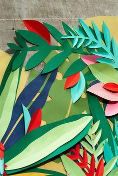 Tropical Palm Wall Mural In 2020 Cupcake Safari, Party Deco, Jungle Art, Jungle Crafts, Jungle Theme, Jungle Decorations, Paper Art Design, Cut Paper Illustration, Heart Wall Art
