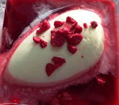 Pre-postre: Helado de queso con infusión de frutos rojos Pudding, Cake, Desserts, Food, Tailgate Desserts, Pie, Puddings, Kuchen, Dessert