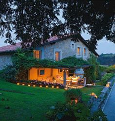 French Country Cottage Design with Christmas Decor located in Spain. <Cottage at Dawn> 🌄 Exterior - Curb Appeal - Dawn French Country Christmas, French Country Cottage, Country Cottages, Christmas In Spain, Christmas Decor, Design Exterior, Stone Exterior, Exterior Paint, Shabby Chic Interiors