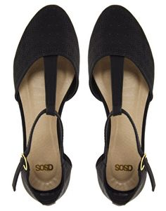 - Chaussures plates style salomés