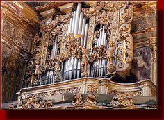 San Gregorio Armeno, Naples, Italy | Napoli: S.Gregorio Armeno courtesy Mauro Caiano. Organ